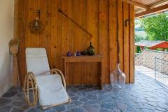 Overdekte veranda met zitjes