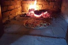 Pizzaoven in de buitenkeuken