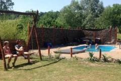 Zwembad en zitje